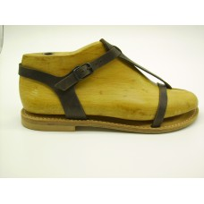 LEVANTO sandalo